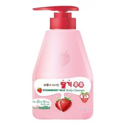 Гель для душа клубничный Welcos Kwailnara Strawberry Milk Body Cleanser, 560 гр.